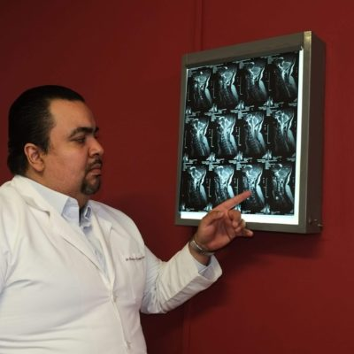 Dr. Enrique Reynaga Moreno